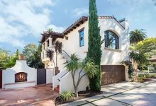 Make Myself at Home: Charmed by a Casa in West Beach