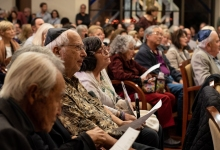 Over a Thousand Gather in Santa Barbara Synagogue to Mourn Pittsburgh Victims