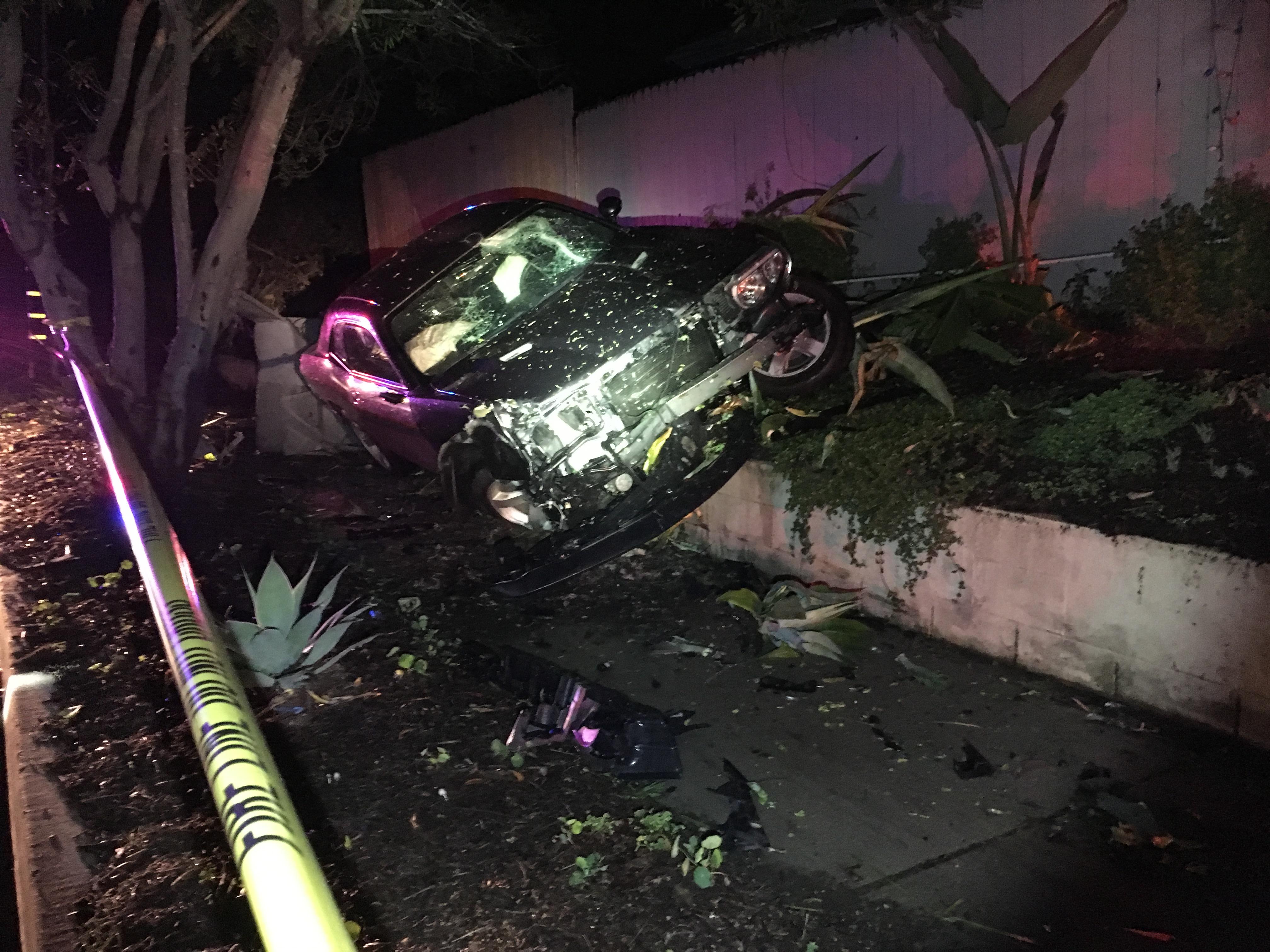 Car Crash Puts Lights Out in Goleta - The Santa Barbara