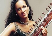 Anoushka Shankar Plays 'Reflections'