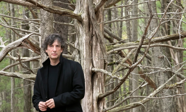 Neil Gaiman Sells Out Campbell Hall