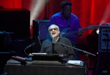 Review | Steely Dan Goes On
