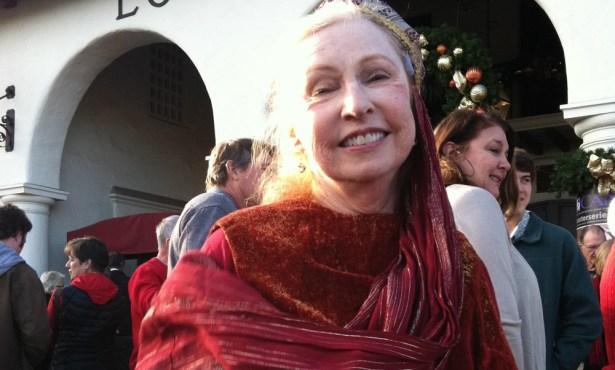 Elaine Arnett: 1940 – 2019