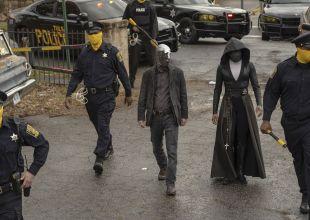Review   'Watchmen': Bizarre World Is Hauntingly Familiar
