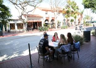 Santa Barbara Eateries' Sidewalk Booze Applications Get 'Red-Carpet Treatment'