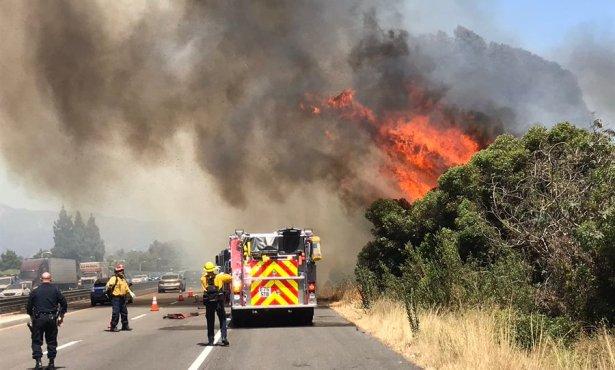 Fire Alongside 101 Southbound in Goleta