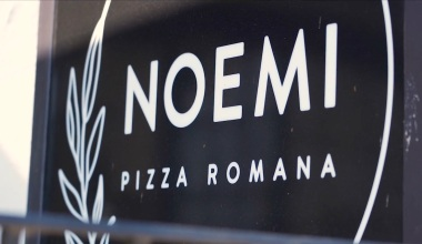 Inside Noemi Pizza Romana