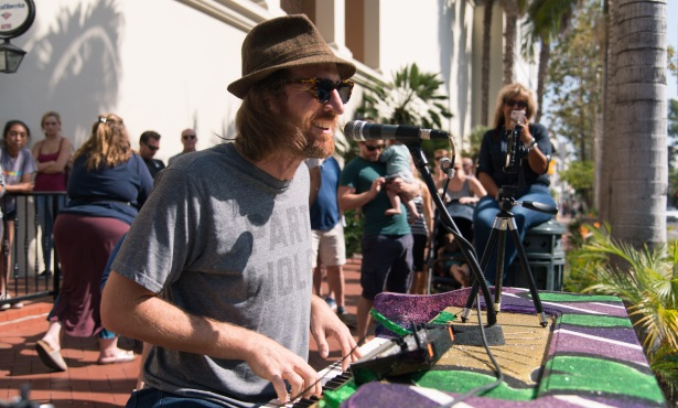 Santa Barbara Performers Push for a Little Live Music