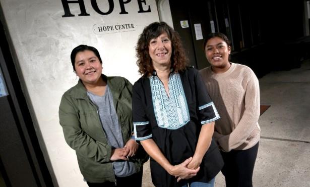 Immigrant Hope Santa Barbara esta Haciendo el Trabajo de Dios