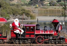 Santa Claus Comes To Santa Barbara Zoo