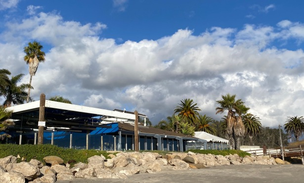 Bye-Bye, Beachside Bar-Café