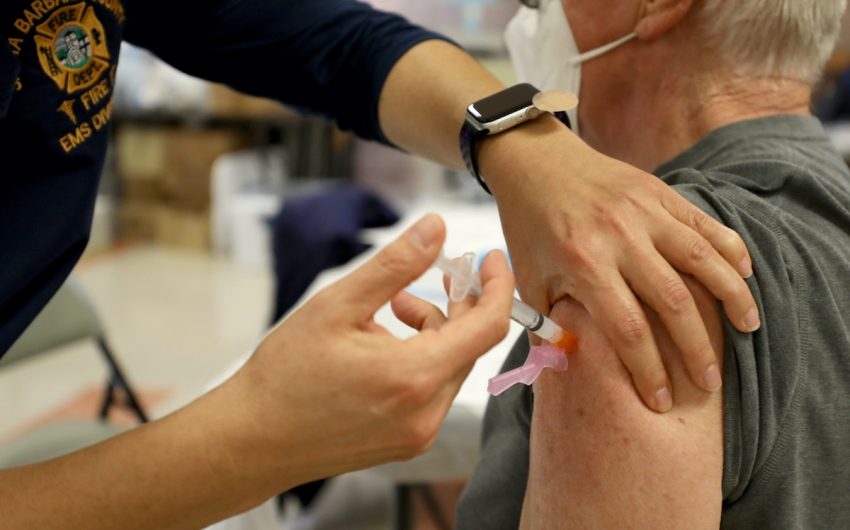 Teachers, Grocery Store Workers Will Be Eligible For Vaccinations
