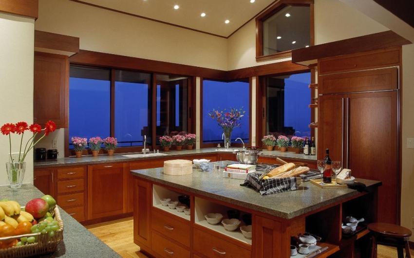 Santa Barbara Homebuilder Honors Custom Kitchens