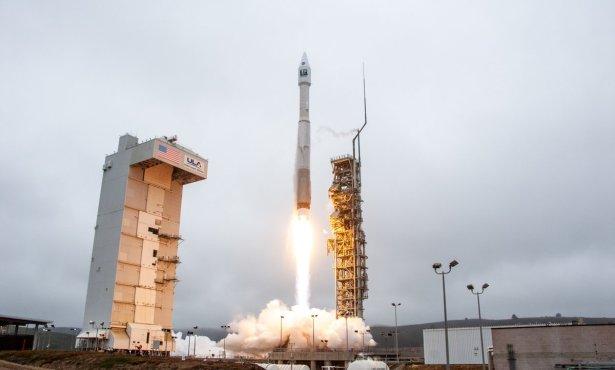 Vandenberg's 2,000th Rocket Launch Blasts Landsat 9 into Orbit