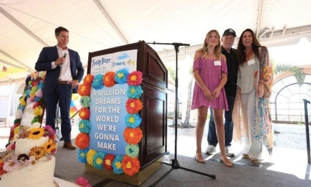 Teddy Bear Cancer Foundation Held 9th Annual Gold Ribbon Luncheon